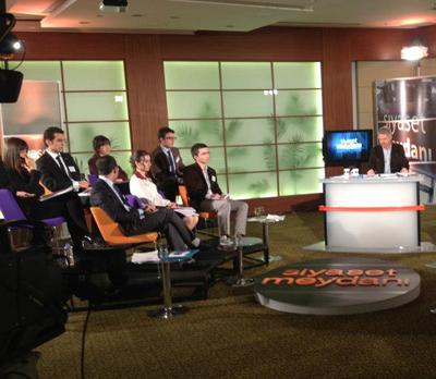Ankara Hukuk Fakültesi'nden 7 öğrenci olarak Siyaset Meydanında canlı yayındaydık. 15.11.2012